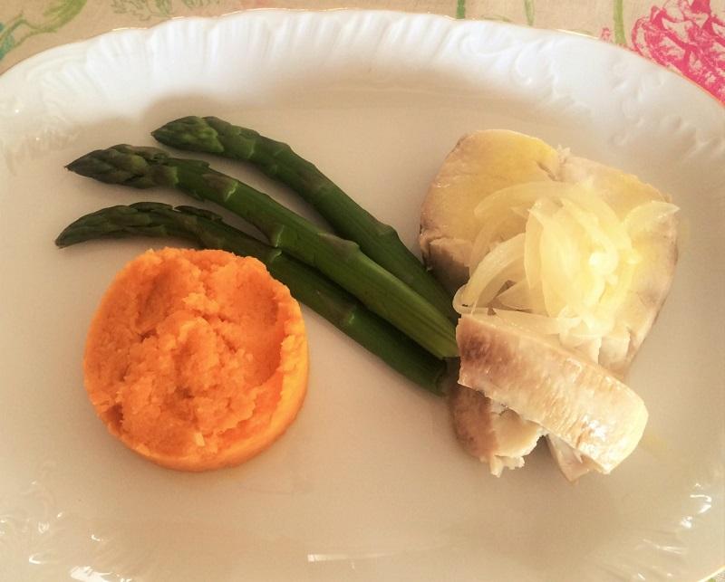 Puré de cenoura com peixe estufado