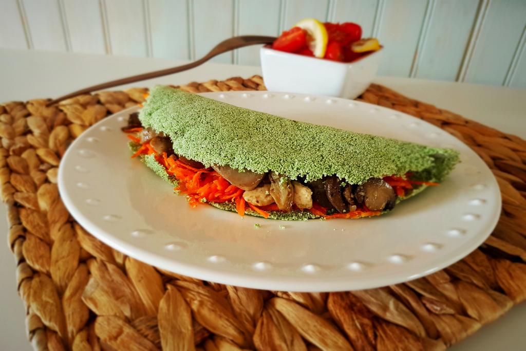 Tapioca verde com frango e cogumelos