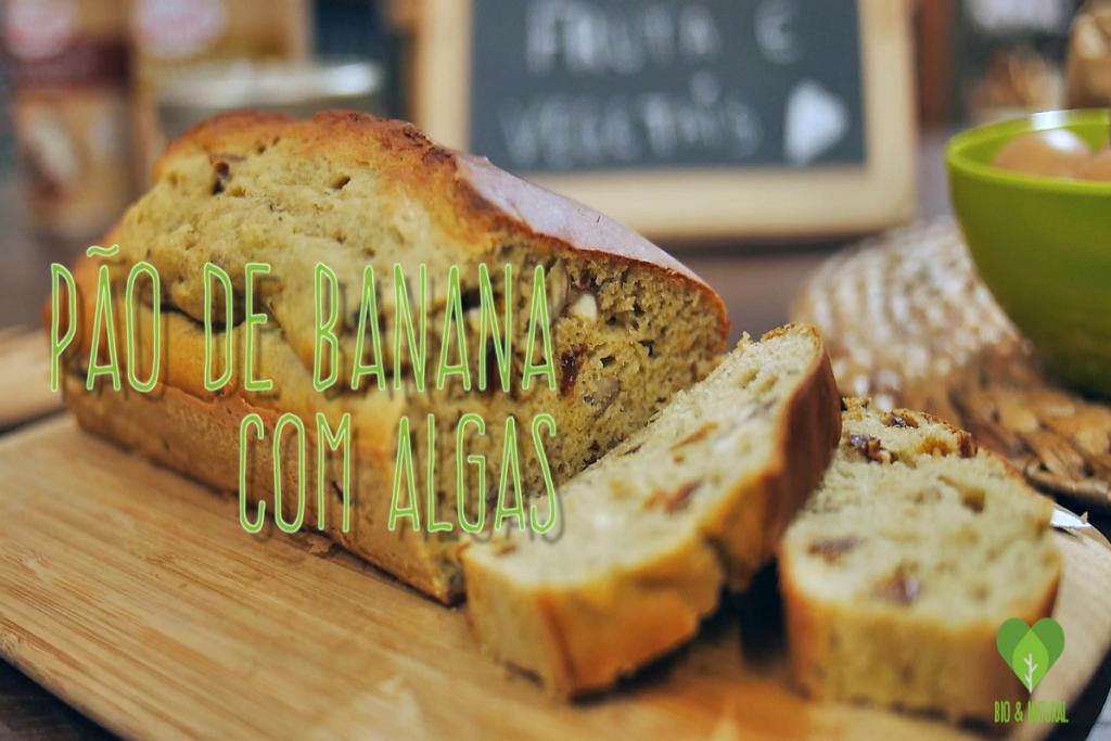 Pão de banana com algas