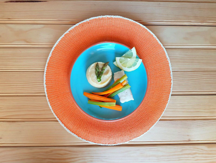 Puré de lentilhas e couve flor com legumes e peixe ao vapor